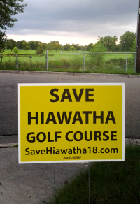 Hiawatha Golf Course Lawn Sign